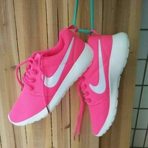 Shoes - Nike Shoes